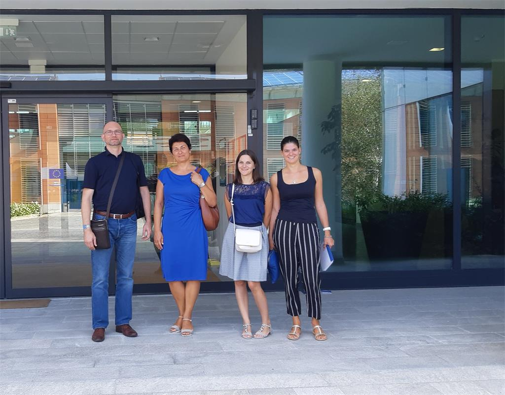 The picture shows the members of the project team, representatives of the National Contact Point, T. Ciceli, V. Husnjak, I. Gašparović and T. Rodin in front of the building of the Joint Research Center in Ispra, Italy.